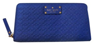 Kate Spade NWT Kate spade penn place embossed blue wallet leather