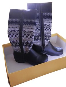 Softspots Side Zipper Fully Lined Black w/grey & white Boots