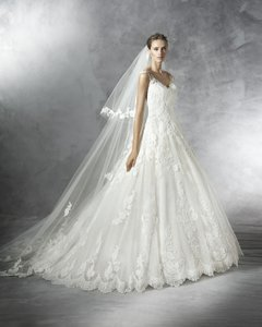 Pronovias Primadona Wedding Dress