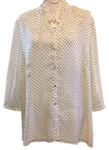 Avenue Top Off White and Black Polka Dots