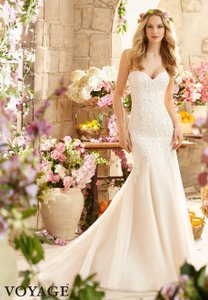 Mori Lee White Lace and Tulle 6807 Modern Wedding Dress Size 14 (L)