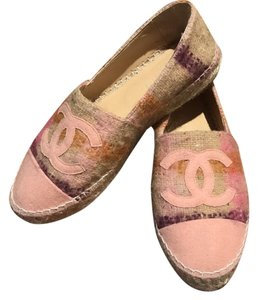 Chanel Baby pink Flats