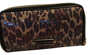 Betsey Johnson Wristlet in Leppard Secquin