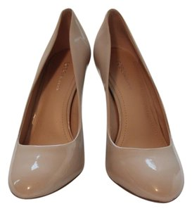 BCBGeneration Classic nude Pumps