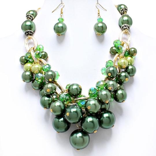 Other Green Pearl Bead Gold Accent Statement Collar Bib Necklace Earring Set