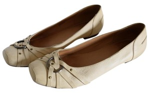 Frye Cream-off white Flats