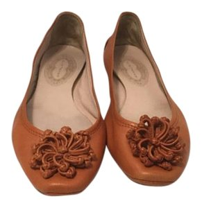 Elie Tahari Padded Insoles Orange coral leather large flower Italian E39.5 Flats