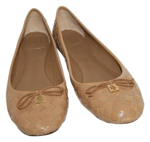 Tory Burch Patent Leather Golden Logo Tan Flats