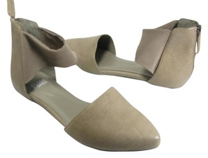 Eileen Fisher taupe Flats