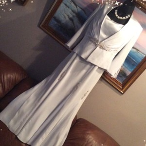 Montage by Mon Cheri Gray and Silver Formal Bridesmaid/Mob Dress Size 6 (S)