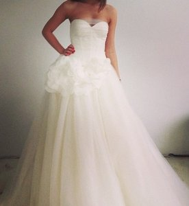 Vera Wang Vera Wang White Collection - Style Vw35112 Strapless Sweetheart Tulle Ballgown With Petals Wedding Dress