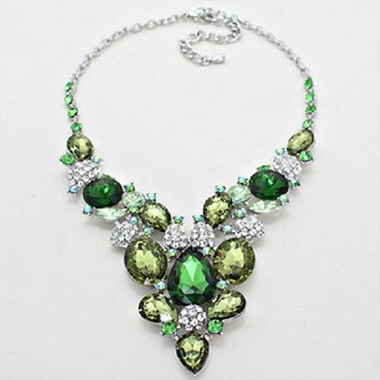 Other Emerald Green Multicolor Peridot Olivine Crystal Silver Bib Collar Necklace Earring Set
