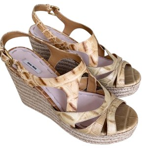 Miu Miu Leather Python biege Wedges