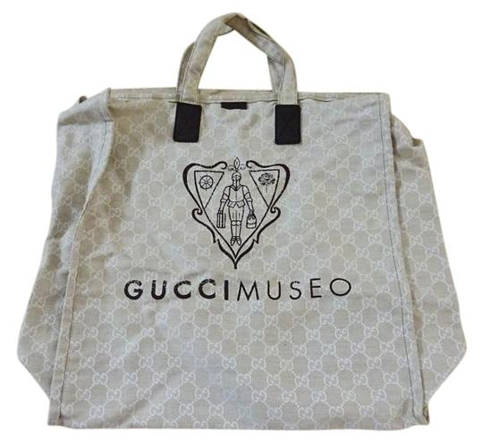 Preload https://img-static.tradesy.com/item/19718185/gucci-monogram-gg-tote-beigebrown-canvas-beach-bag-0-1-540-540.jpg