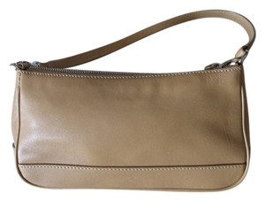 Coach Leather Zipper Hampton Shoulder Bag
