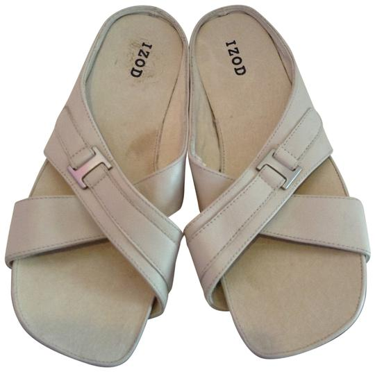 Preload https://item1.tradesy.com/images/izod-bone-helen-leather-slides-sandals-size-us-75-regular-m-b-197185-0-0.jpg?width=440&height=440