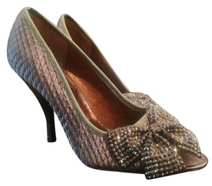 Poetic License New Satin Rhinestones Lavender Pumps
