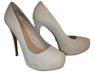 SCHUTZ Cream Pumps