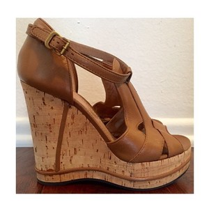 Chloé Tan Wedges