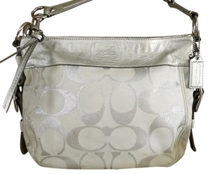 Coach White Silver Leather Shoulder Bag