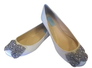 Betsey Johnson Bow Sparkle Ballet Ivory Satin Flats