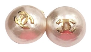 Chanel Chanel Vintage Classic CC Pearl Gumball Clip on Earrings
