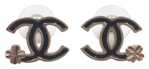 Chanel Chanel Black CC with clover leaf piercing earrings