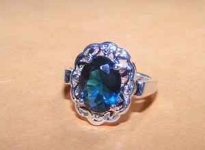 Beautiful Right Hand Fashion Ring Free Shipping
