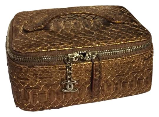 Preload https://item4.tradesy.com/images/chanel-jewelry-case-brown-python-clutch-19726748-0-1.jpg?width=440&height=440