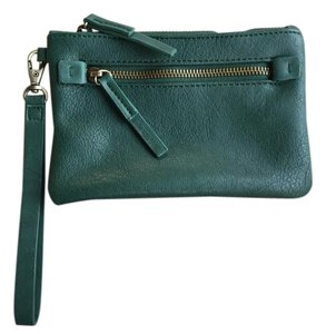 Shiraleah Vegan Leather Zipper Wristlet in Forest Green