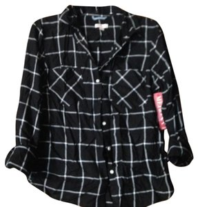 Mossimo Supply Co. Plaid Blouse Shirt Flannel Button Down Shirt Black and white