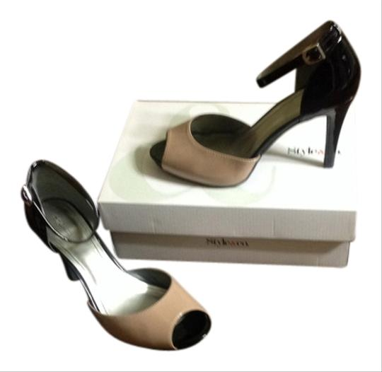 Preload https://item4.tradesy.com/images/style-and-co-two-tone-buffblack-pumps-size-us-10-regular-m-b-1972993-0-0.jpg?width=440&height=440