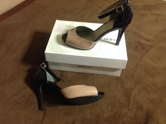 Style & Co Two tone buff/black Pumps