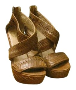 House of Harlow 1960 Brown Wedges
