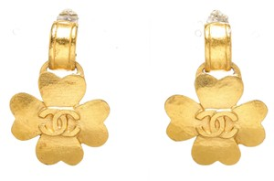 Chanel Chanel Gold Vintage CC Clover Clip On Earrings