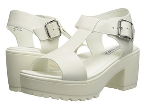 8b916f8fbef Steve Madden 90 s Leather Platform Chunky Heel White Sandals