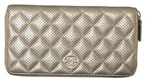 Chanel Chanel L-Gusset Zip Wallet
