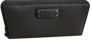 Marc by Marc Jacobs Wristlet in Grey