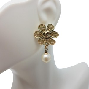 Chanel Copper gold Chanel interlocking CC Camellia pearl drop earrings