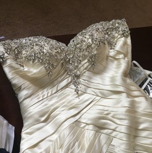 Ysa Makino Off White Satin Ivory Gown Formal Wedding Dress Size 12 (L)