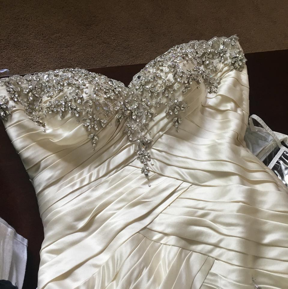 Ysa Makino Off White Satin Ivory Gown Formal Wedding Dress