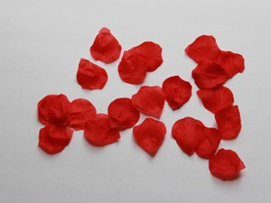 Silk Red Rose Petals 300 - 3 Bags Of 100 Rose Petals - Red Rose Petals - Silk Rose Petals
