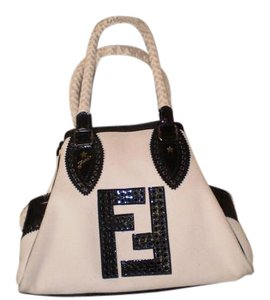 Fendi Spacious Very Tote in black/canvas
