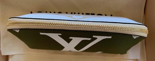 Louis Vuitton Giant Monogram Cosmetic Pouch Image 5