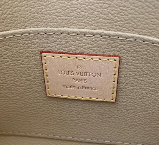 Louis Vuitton Giant Monogram Cosmetic Pouch Image 8