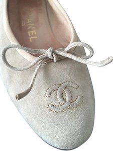Chanel Cream suede Flats
