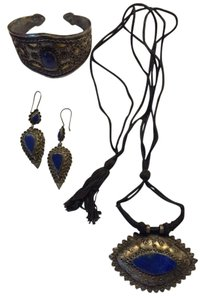 Other Beautiful necklace, bracelet and pierced earrings