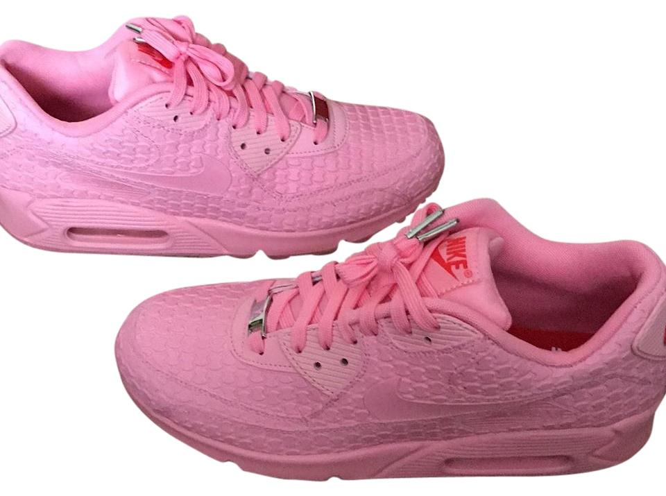 on sale 5e134 41e2d Nike Bubble gum pink Athletic Image 0 ...