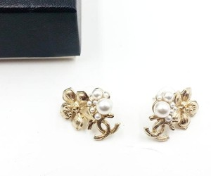 Chanel New Chanel Gold Flower Pearl CC Clip On Earrings