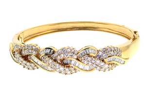 18k gold & 5 carats diamond bangle bracelet